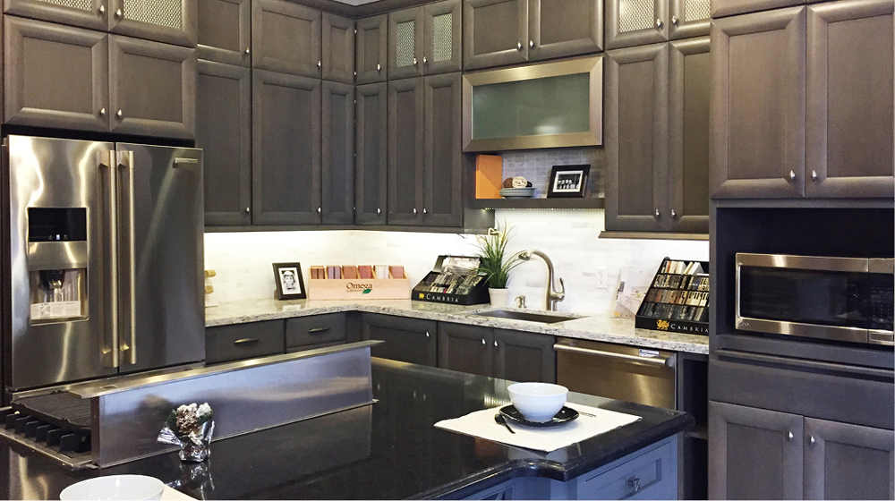Deluxe kitchen cabinets in Bay Aera | Kraftmaid | Schrock ...